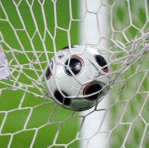 сетка на футбольных воротах