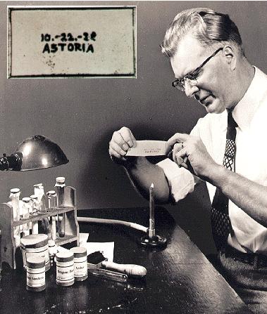 Изобретатель Честер Карлсон впервые в истории сделал ксерокопию