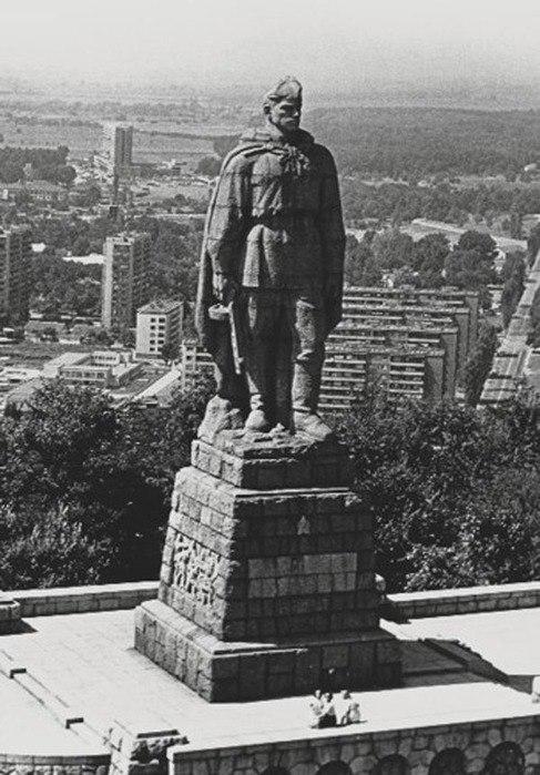 В болгарском городе Пловдиве открыт памятник советским воинам-освободителям - знаменитый «Алеша»