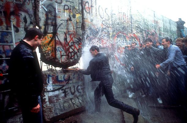 Открылся свободный проход из Восточного Берлина в Западный
