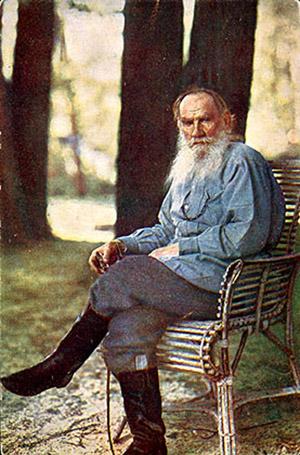 Из своего дома в Ясной Поляне ушел 82-летний Лев Толстой