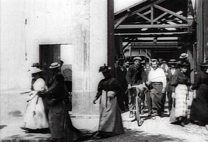 «Выход рабочих с завода Люмьер».