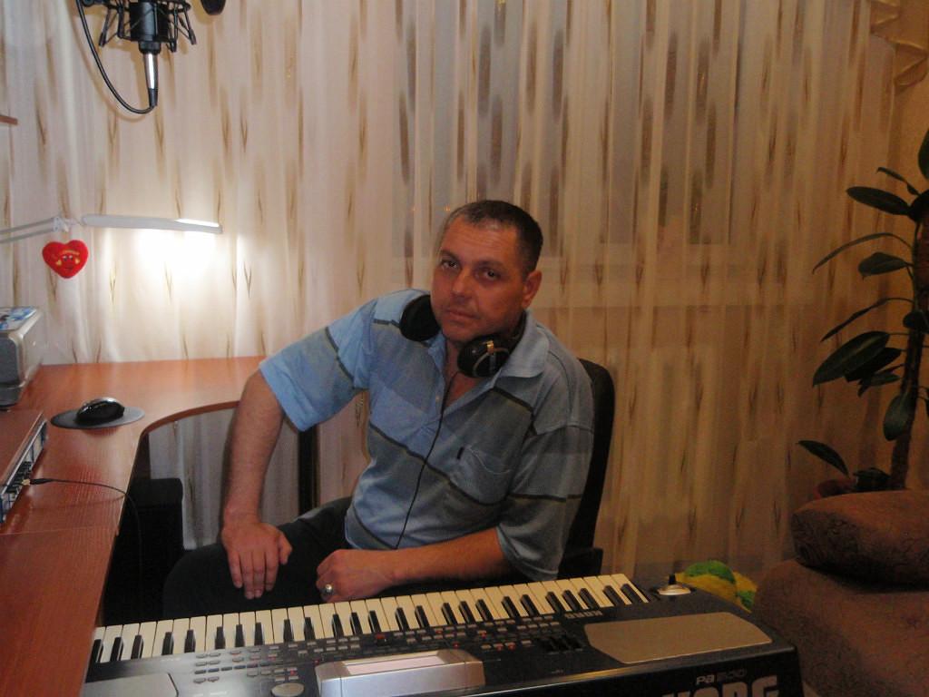 Дмитрий колобов фото