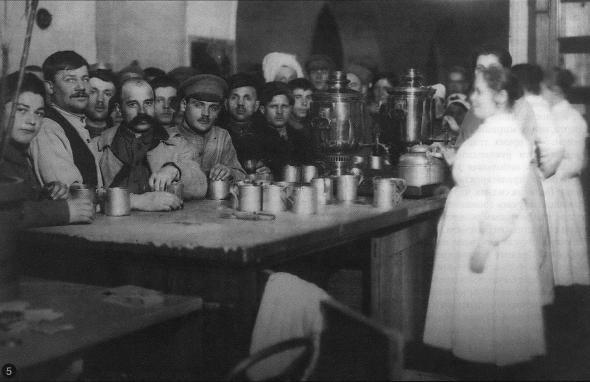 Кремлевская столовая в 20-е годы
