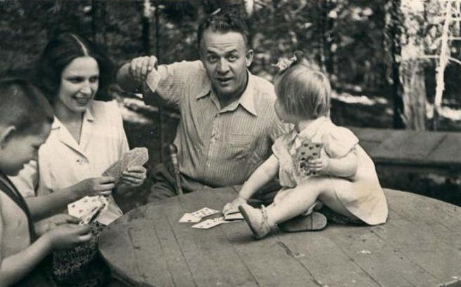 Лемешев и семья