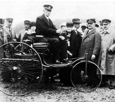 Карл Бенц провел первые испытания своего автомобиля