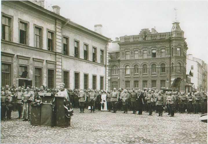молебен в Петербурге по случаю начала Первой мировой войны.