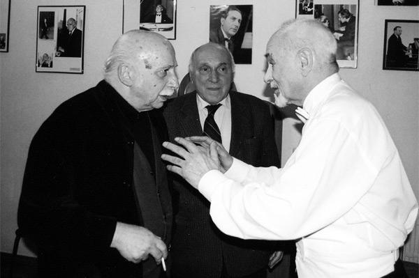 Слева направо - Г. Канчели, директор Большого зала Московской консерватории В. Захаров, В. Минин (2005 г.)