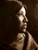 1910-1925-edward-s.-curtis--femme-cahuilla-du-désert-cahuilla-woman-of-the-desert