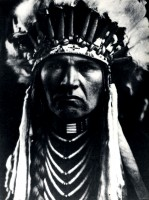 1910-1925-edward-s.-curtis--nez-percé-typique--typical-pierced-nose-indian