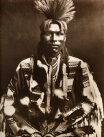 1910-1925-edward-s.-curtis--un-dandy-piegan