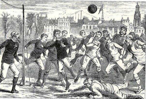 10 июля 1878 года в Англии впервые футбольный арбитр использовал ...