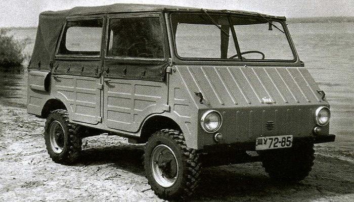 Полноприводный автомобиль двойного назначения 971Д существовал в короткой и длинной версиях